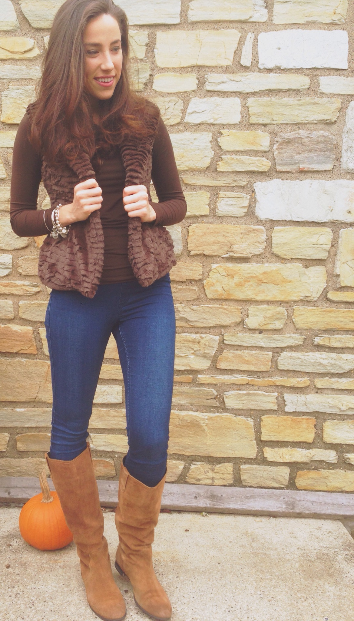 a fall uniform | faux fur vest and jeggings